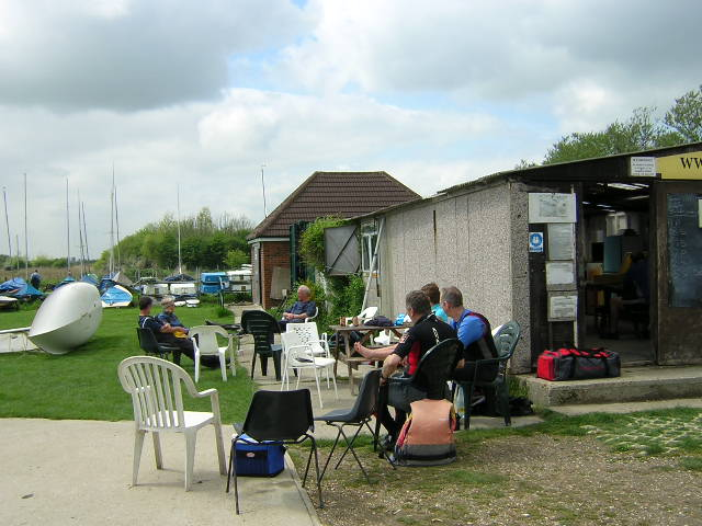 Club members relaxing and eating lunch between races